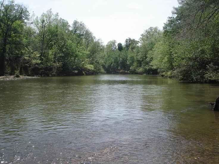 Little_river_at_little_river_national_wildlife_refuge_in_Oklahoma